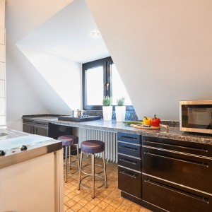 App073 Küche Theke Granitplatte Kochplatte Mikrowelle Fliesen