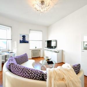 App534 Wohnbereich Sofa Glastisch Regal Kommode TV Essbereich Parkett